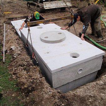Szamba betonowe – zalety, prawidłowa lokalizacja i konserwacja
