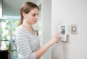 Zabezpieczenie domu przed włamaniem.