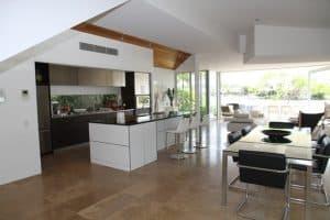 Jak urządzić funkcjonalną i nowoczesną kuchnię